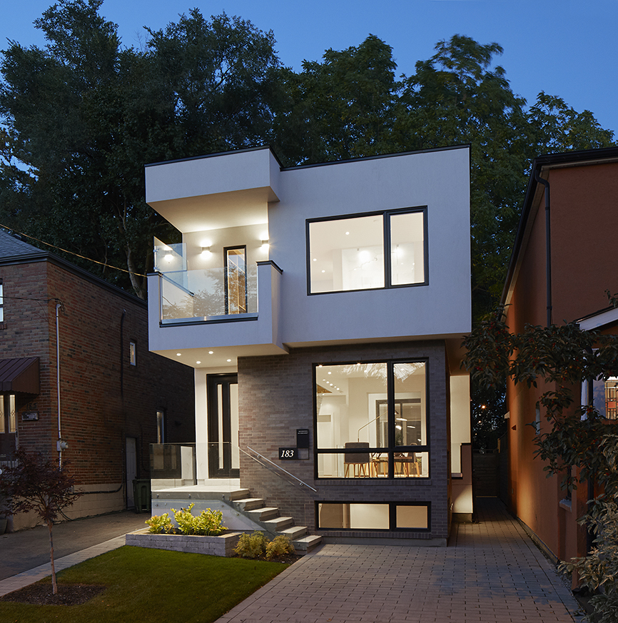 Modern in Leaside